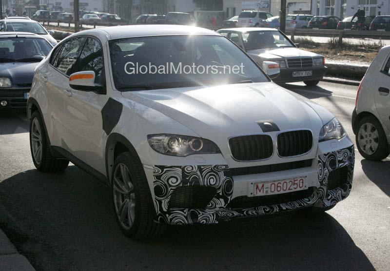 BMW X6 M spied in white color