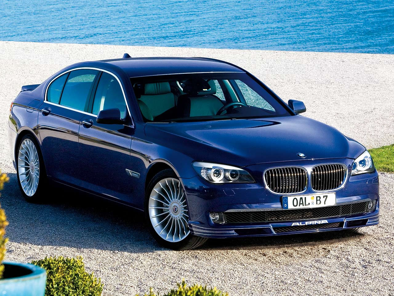 BMW Alpina B7 – Official Pictures and Specifications