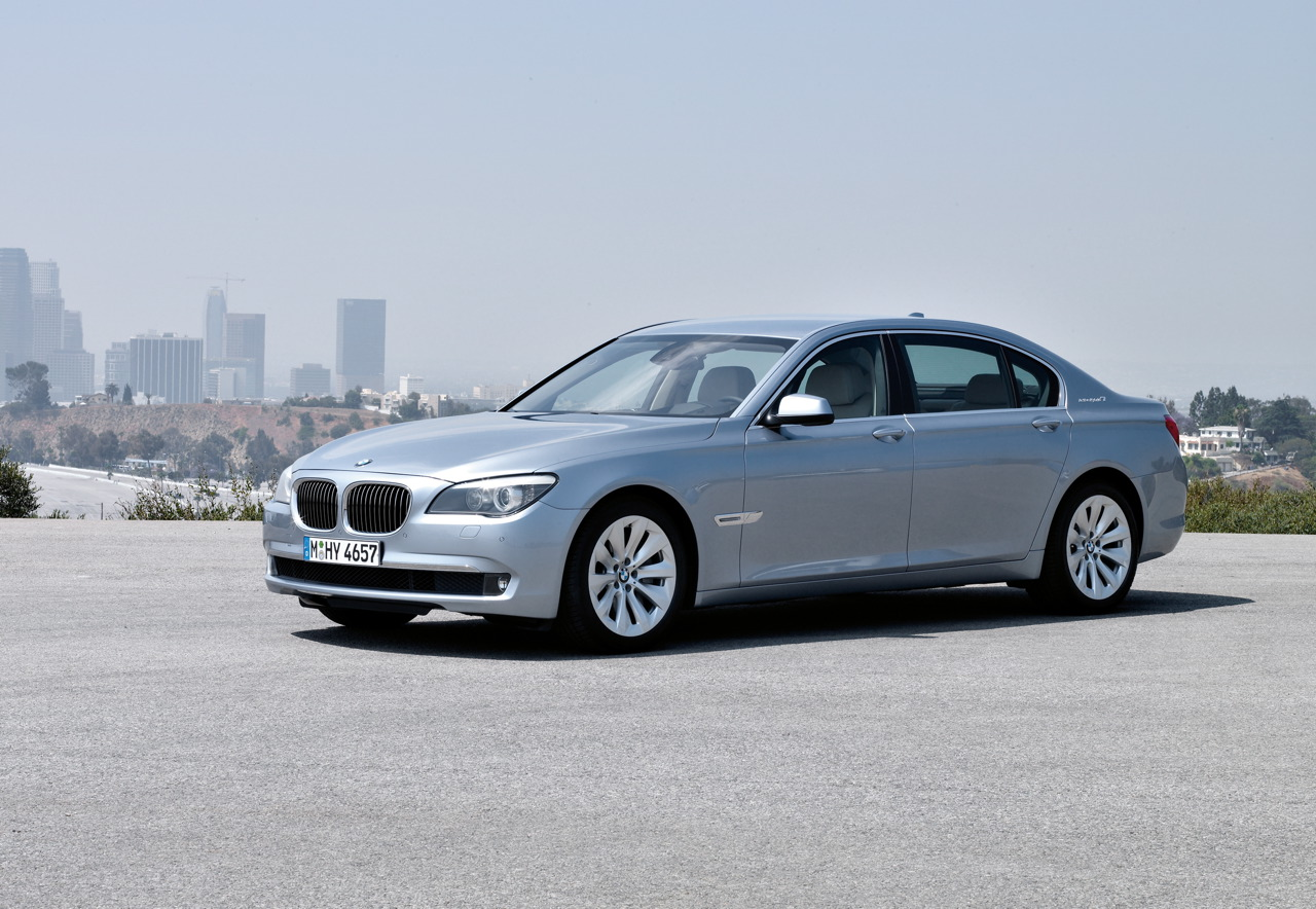 BMW wants to sell 1000 hybrid cars in USA