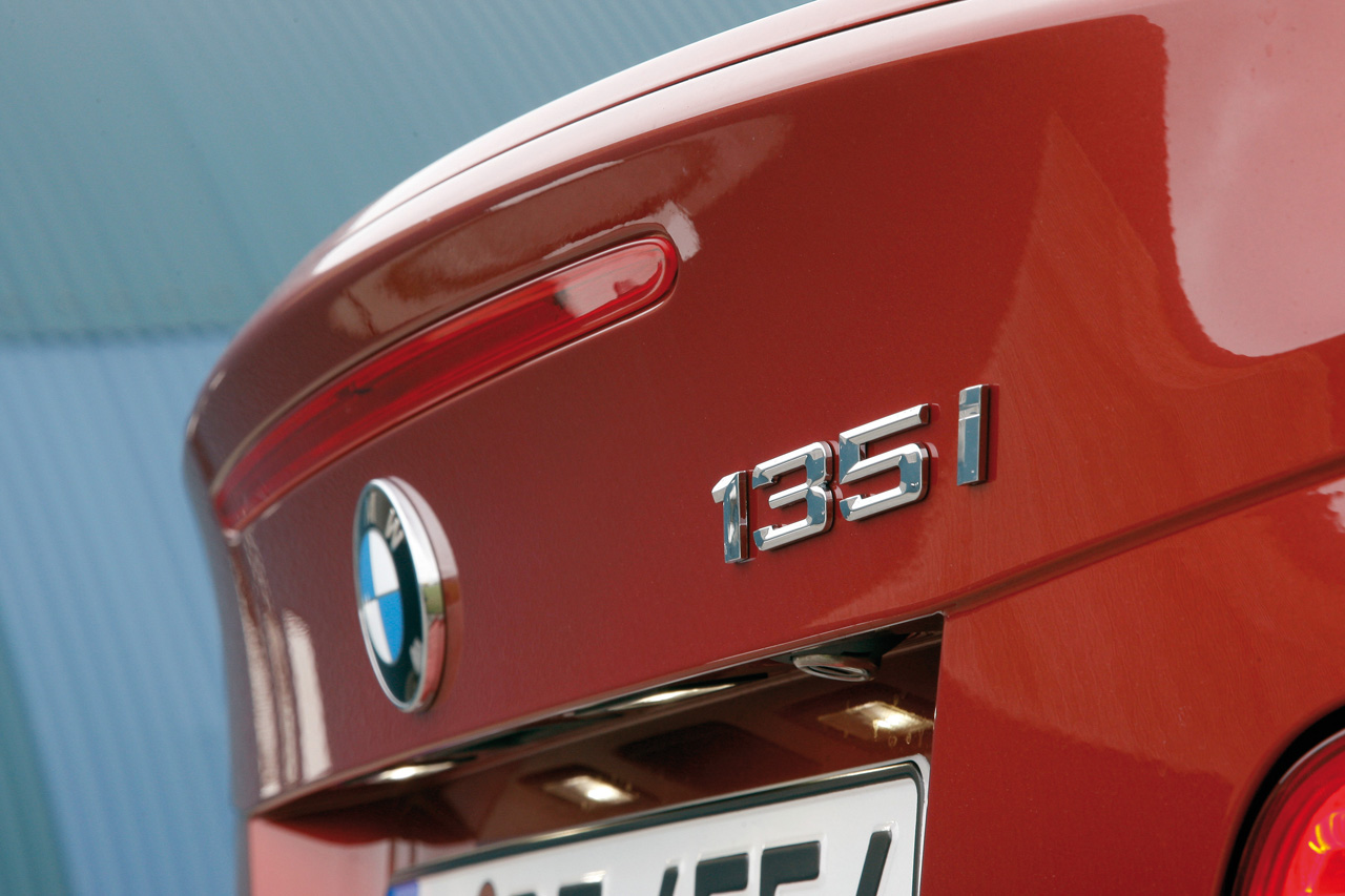 Rumors that the 2011 BMW 1 Series will get DCT