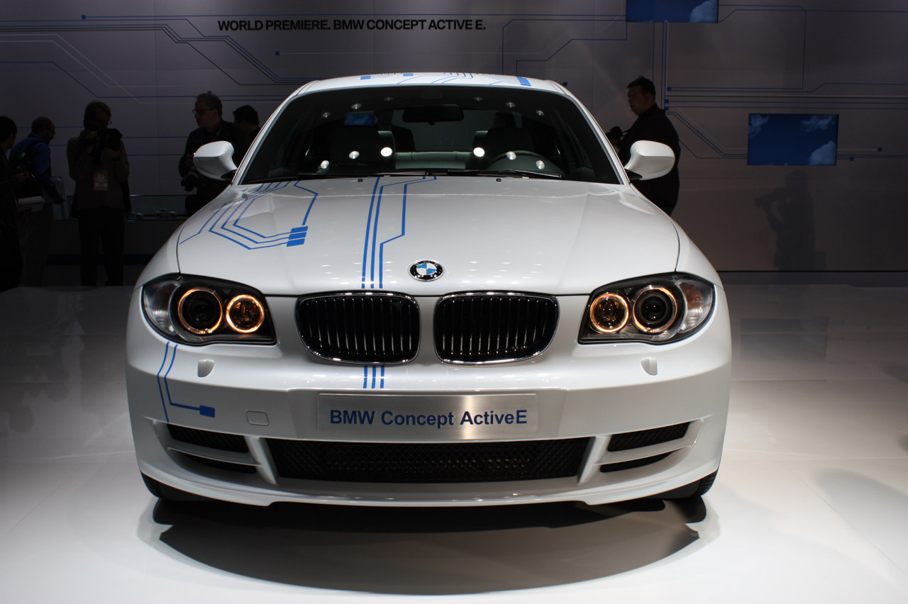 Photos with the BMW ActiveE Concept at the Detroit Auto Show