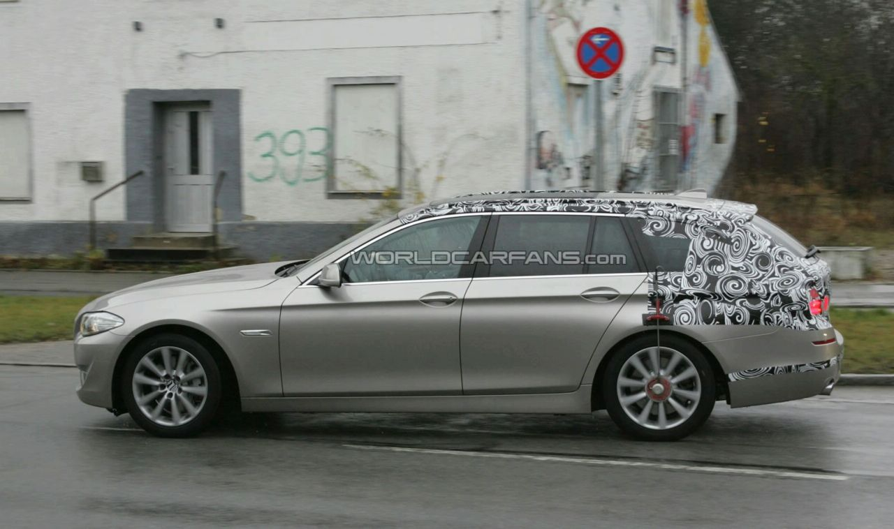Spy video with the 2011 BMW 5 Series Touring