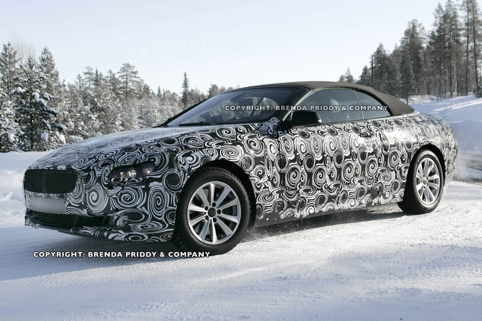 Spy photos with the new 2011 BMW 6 Series