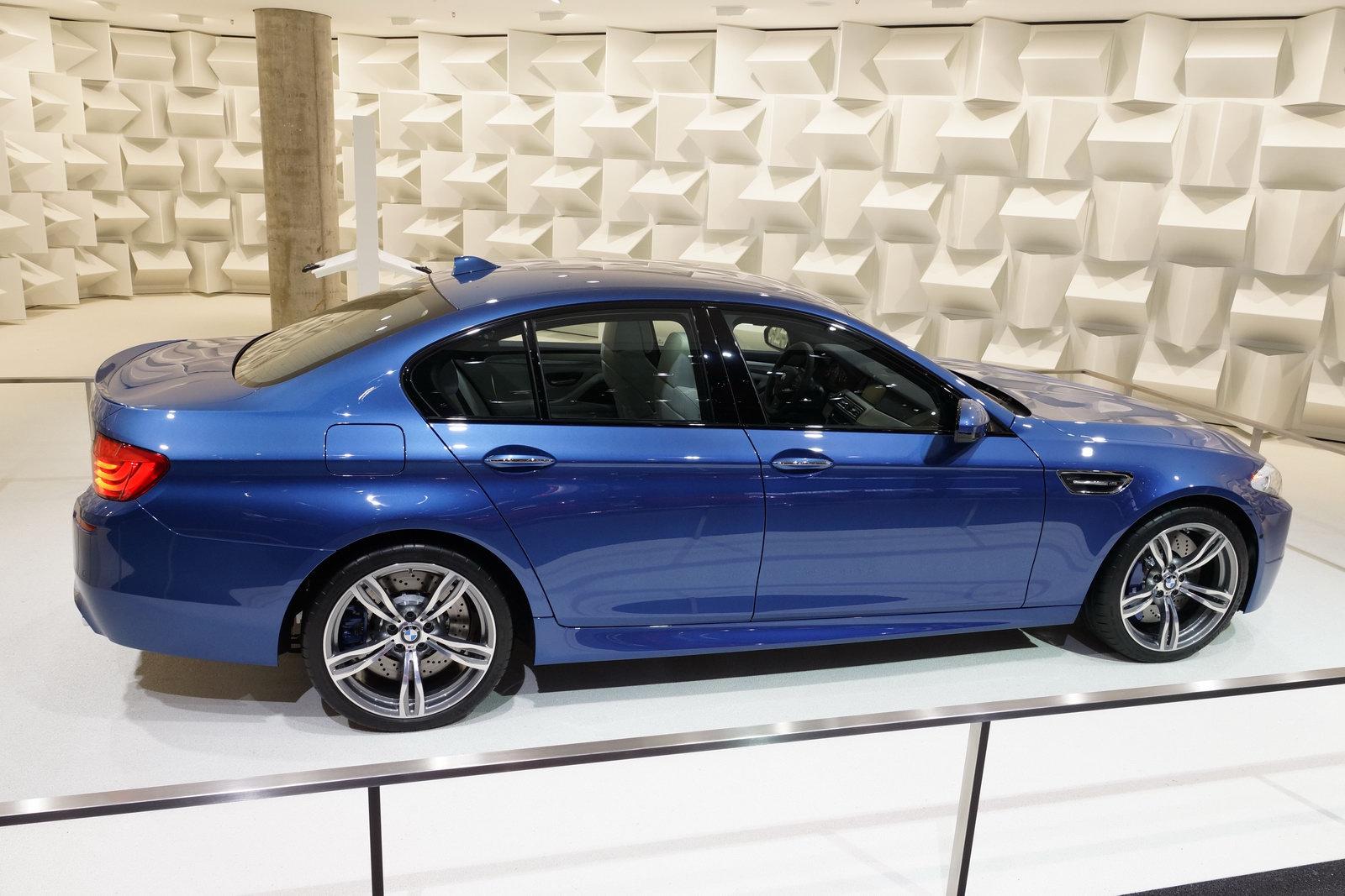 2011 BMW M5 F10