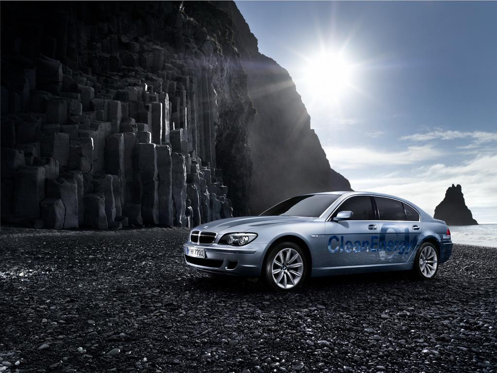 Hydrogen powered BMW 7 Series