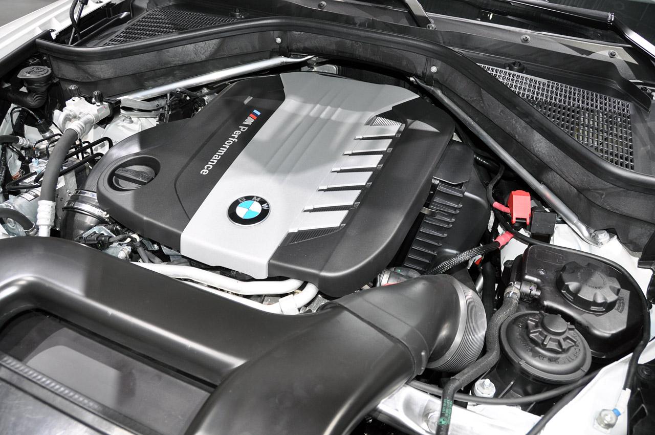2012 BMW X6 M50d in Geneva