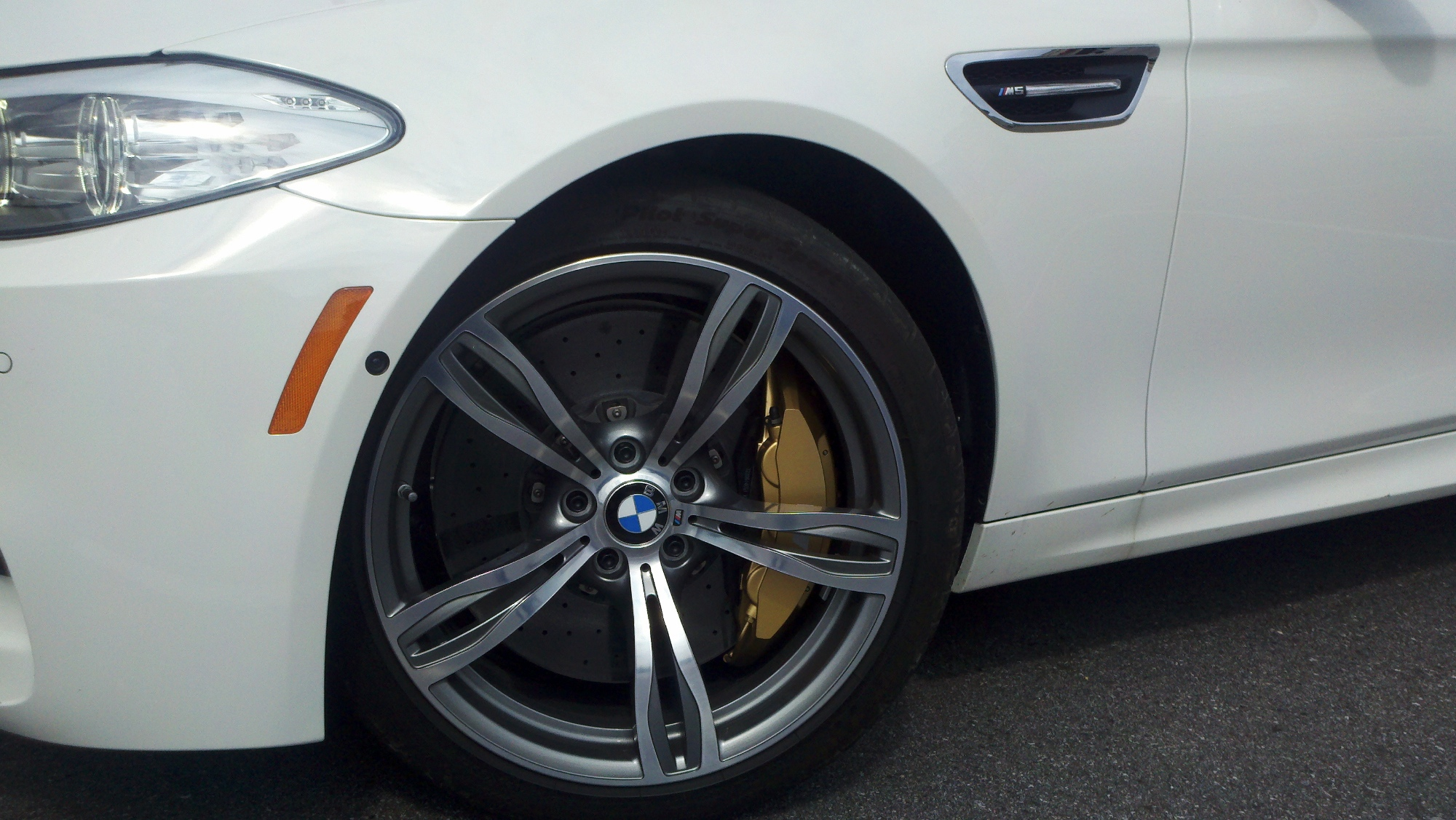 F10 Bmw M5 Spotted With Carbon Brakes Bmwcoop