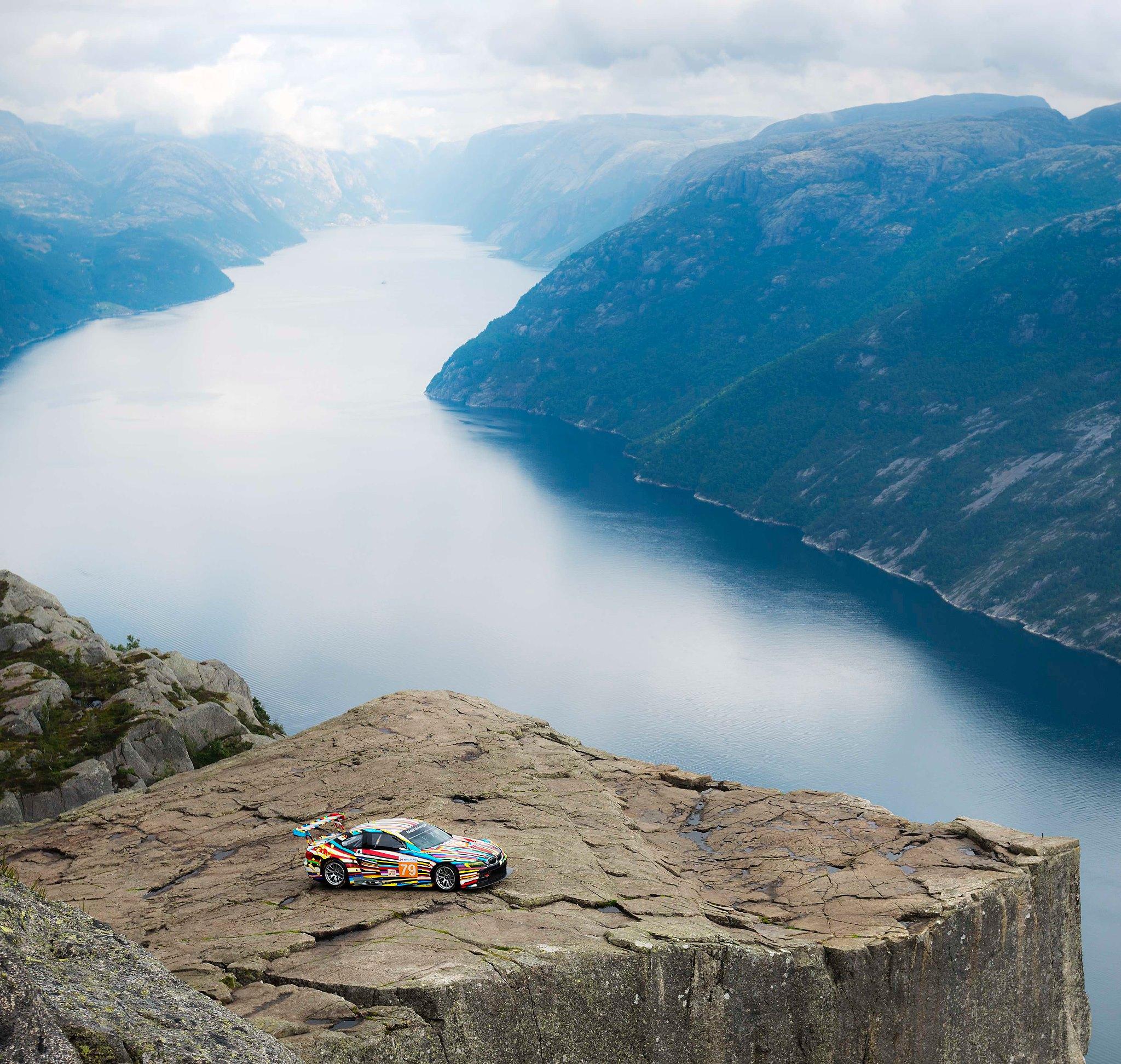 BMW M3 GT2 Art Car landscape