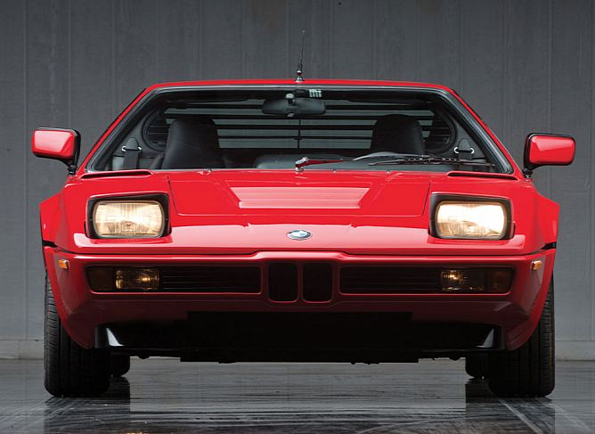 BMW M1 auctioned off