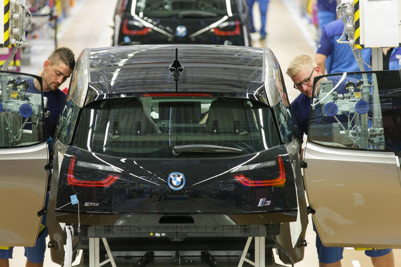 2014 BMW i3 enters production