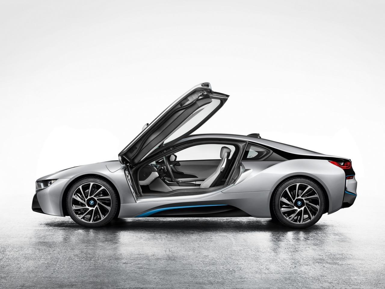 2014 BMW i8 leaked