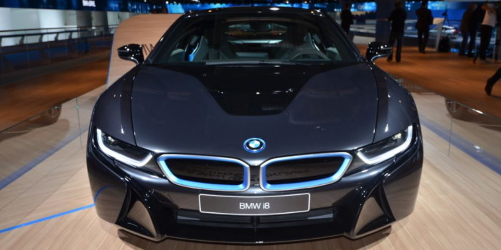 BMW i8 in Carbon Fiber Finally Detailed
