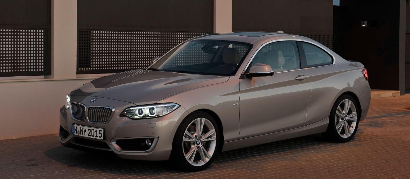 Video: BMW M235i Coupe on the Roads for Tests