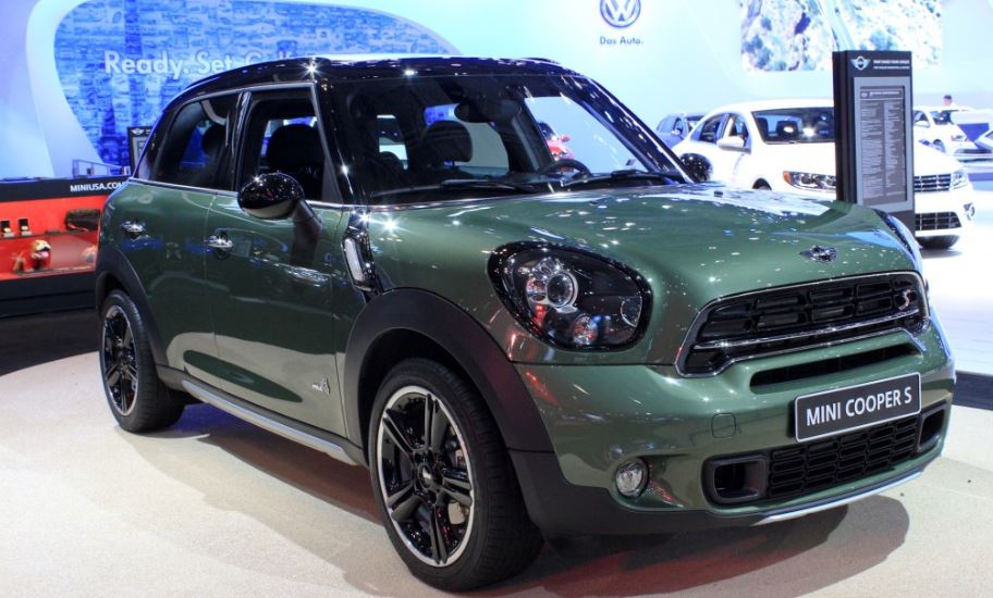 2014 New York International Auto Show: 2015 MINI Cooper S Countryman with High-Tech and New Styling