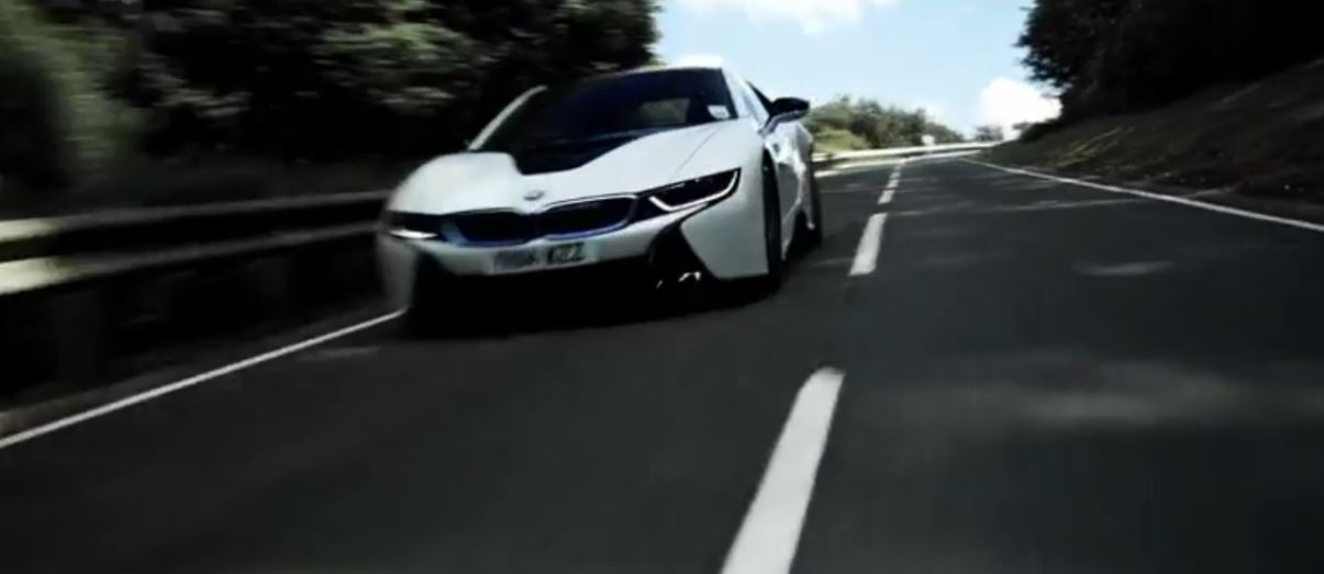 BMW i8 Seen in New Commercial