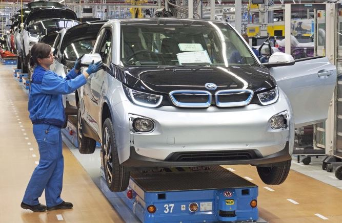 BMW Electric and Plug-in Hybrid Models Might Fall Down in the US