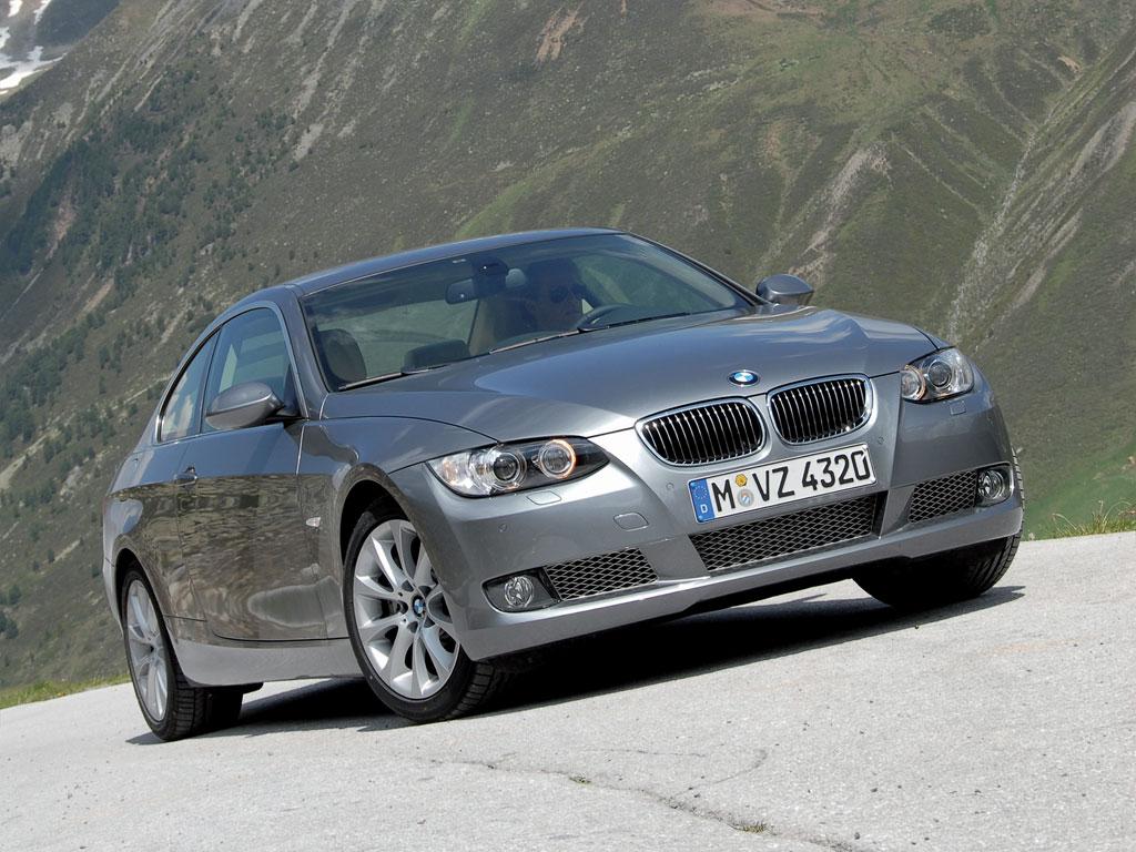 BMW 335i vs Audi S5 – Fifth Gear