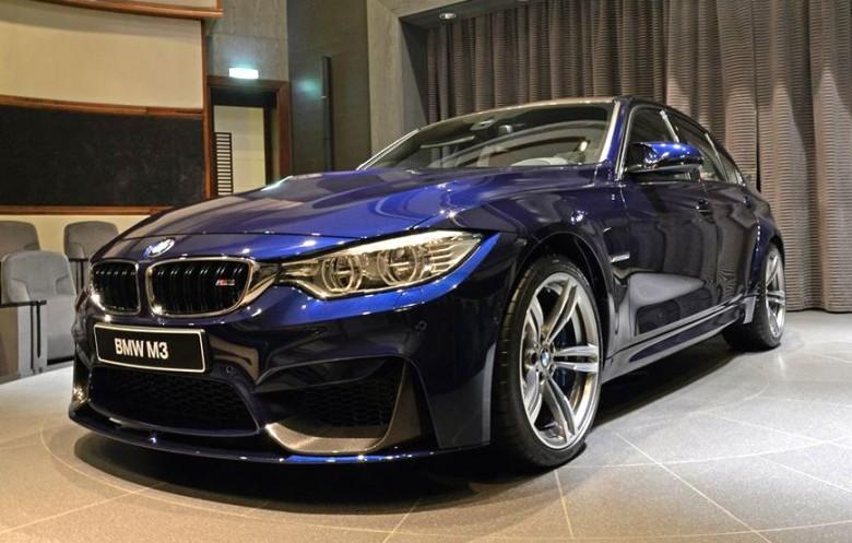 Navy Blue BMW M3 Pops Up At Abu Dhabi