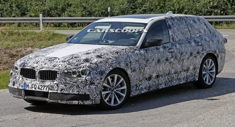 2017 BMW 5-Series Touring Spied