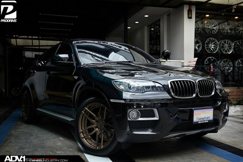 BMW X6 xDrive30d Sitting on ADV.1 Wheels
