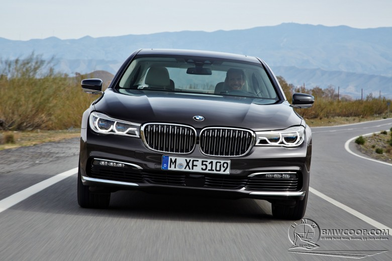 Report States BMW 7-Series Might Come with Two V12 Mills