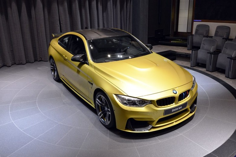 Austin Yellow F82 BMW M4 Coupe Pops-Up at BMW Abu Dhabi