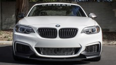 BMW M235i by Dinan Speeds Up in Video