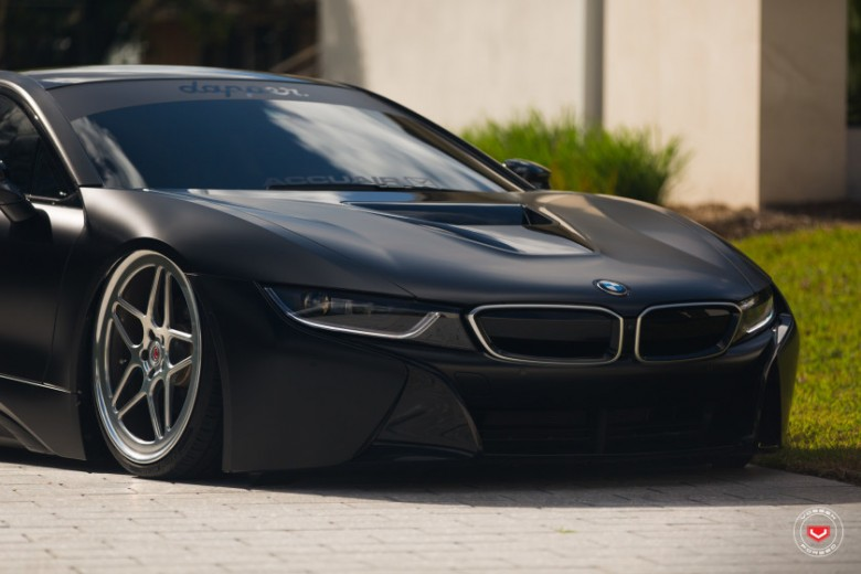 BMW i8 Receives Bagging Treatment from Vossen Wheels