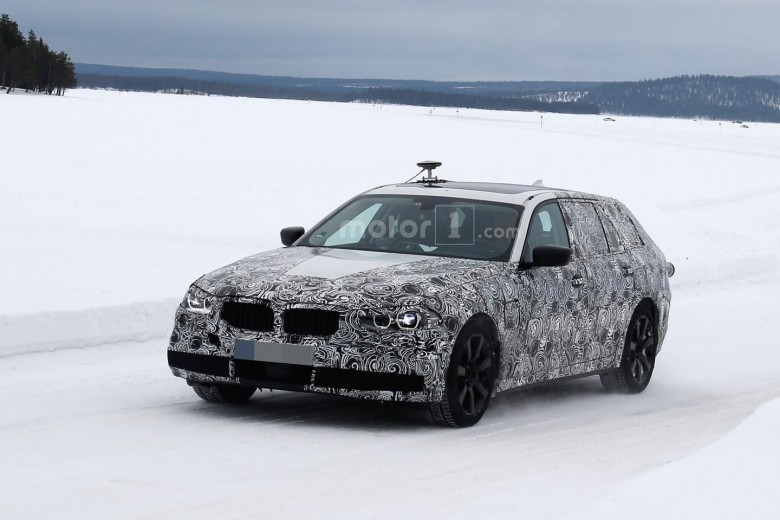 Fully Camouflaged 2017 BMW 5-Series GT Caught on Shots