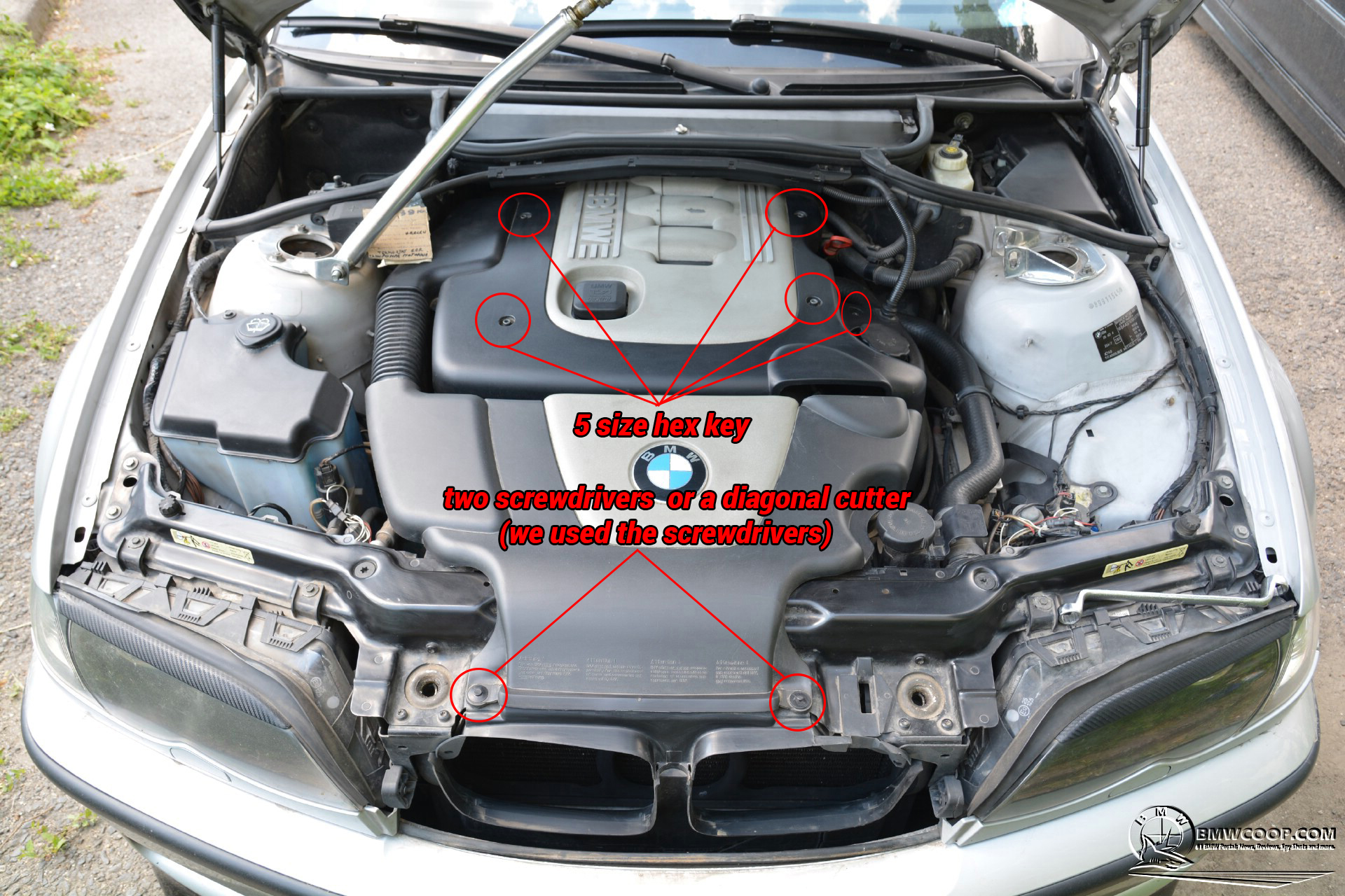 How to Change the EGR Thermostat on E46 BMW 3 Series (1)