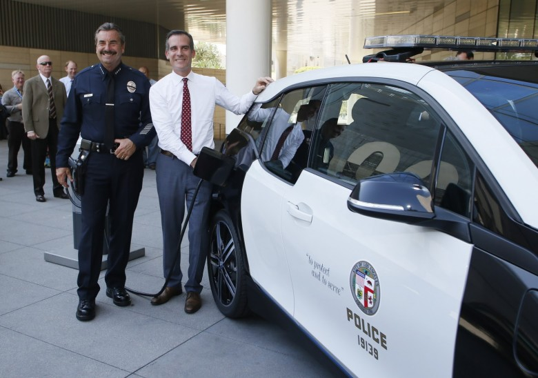 BMW Delivers 100 i3s to Los Angeles Police Department