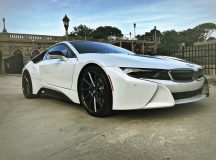 Crystal White BMW i8 Is a Real Eye-Catcher