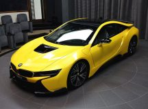 Phot Gallery: Exotic Lava Yellow i8 Shows-Off at BMW Abu Dhabi