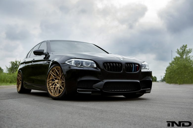 BMW M5 Looks Smashing with the Carbon Aero Kit from iND Distribution
