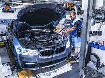 2017 BMW 5 Series: Factory Production