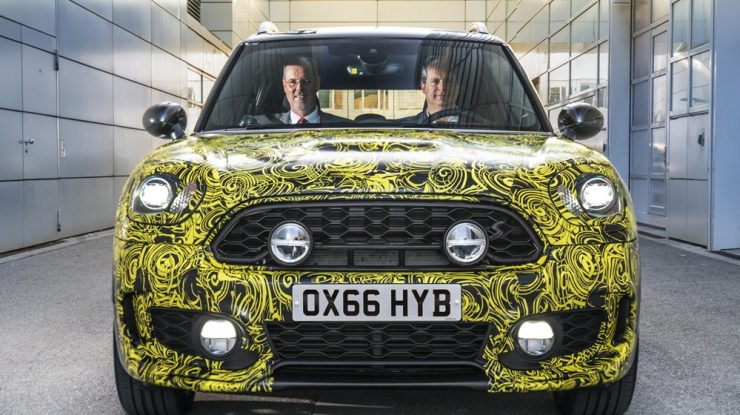 Munich, Germany: MINI Plug-in Hybrid Gets First Preview ahead Official Launch