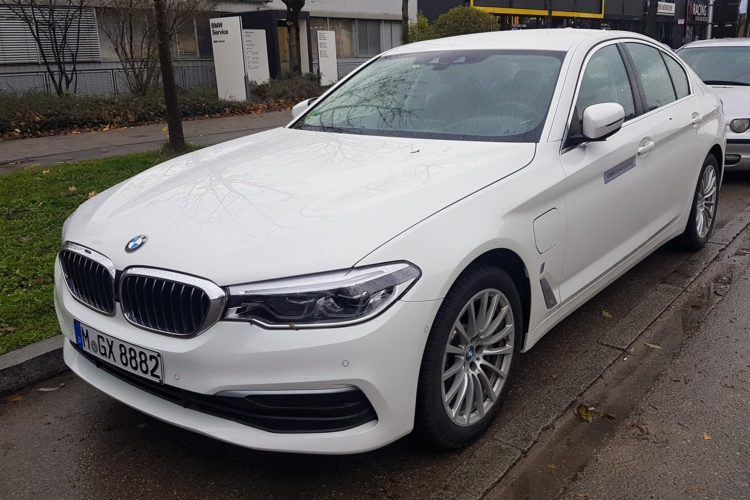 2017 Bmw 5 Series 530e Iperformance Is A Real Beauty