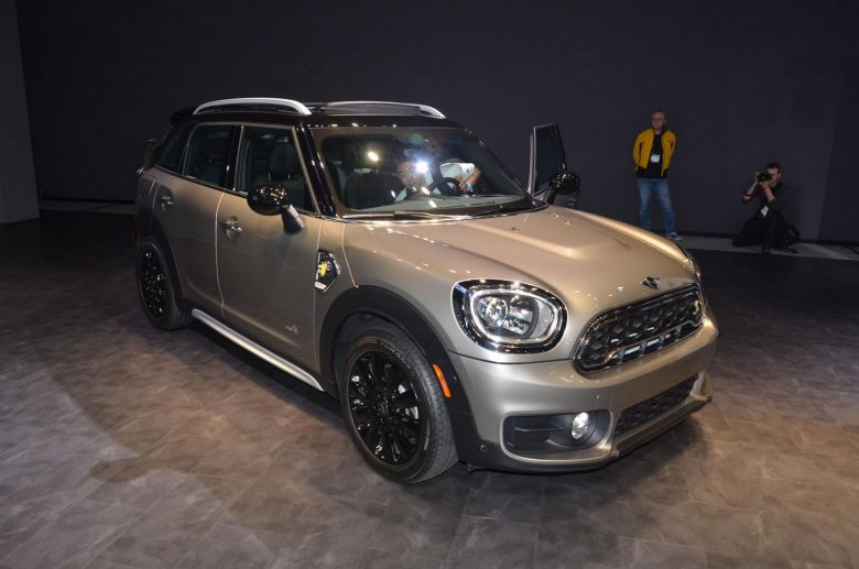 2016 Los Angeles Auto: 2017 MINI Cooper S E Countryman ALL4 Plug-in Hybrid Officially Unveiled