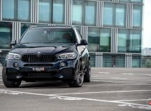 BMW X5 Tweaked with Vossen Wheels, Looks More Imposing