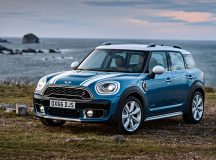 2017 MINI Countryman Revealed in Test Drive