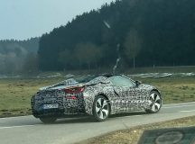BMW i8 Spyder Caught in the Act