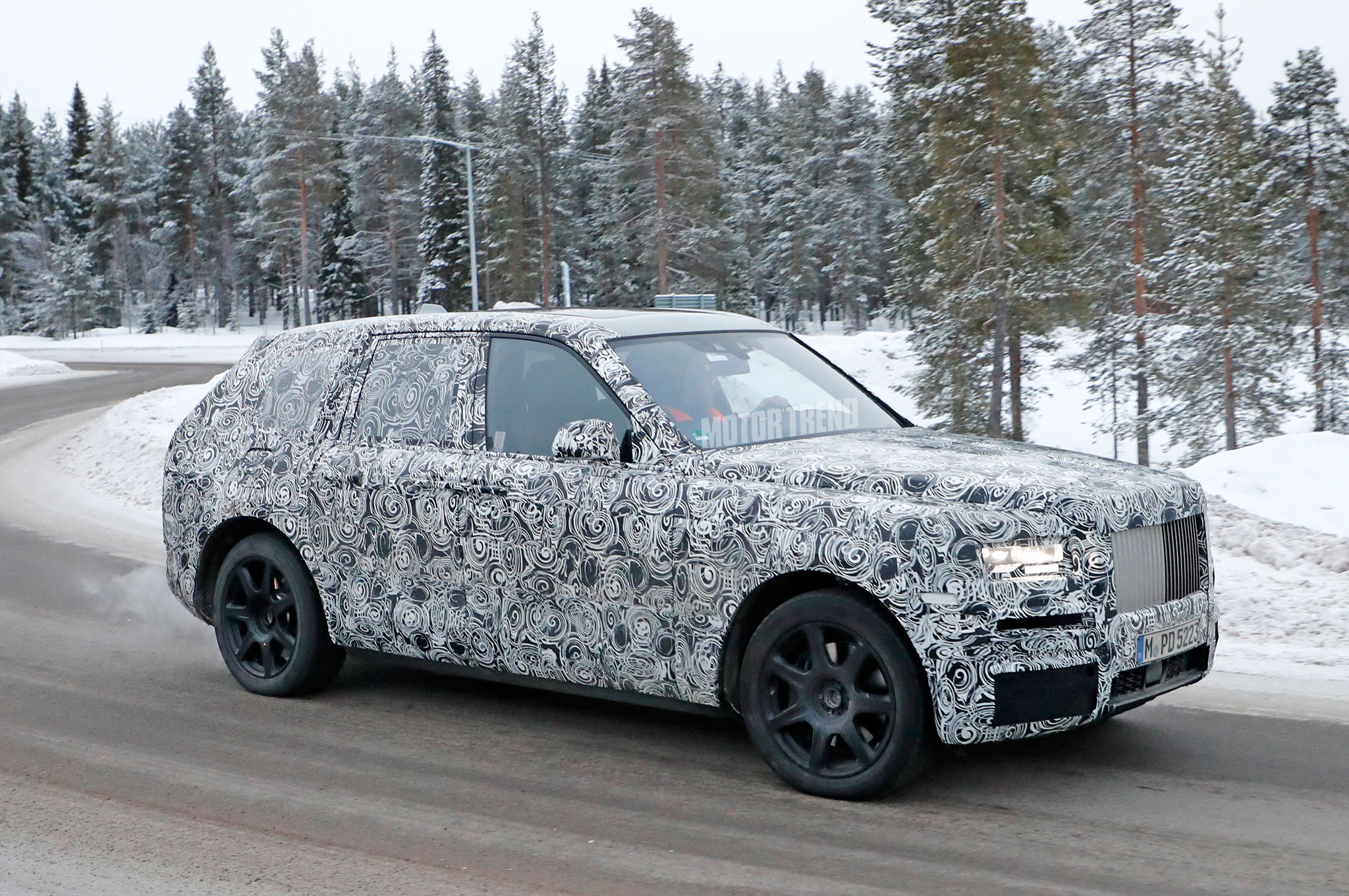 rolls royce cullinan suv gets spied in snowy tests bmwcoop. Black Bedroom Furniture Sets. Home Design Ideas