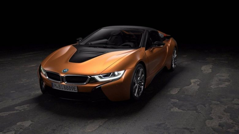 Official Videos: 2018 BMW i8 Roadster – Exterior & Driving Detailed