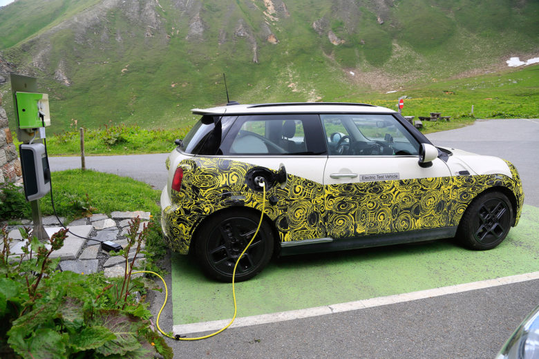 BMW Rolls Out The Electric Mini
