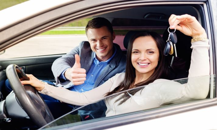 7 Important Car Maintenance Tips to Teach New Drivers